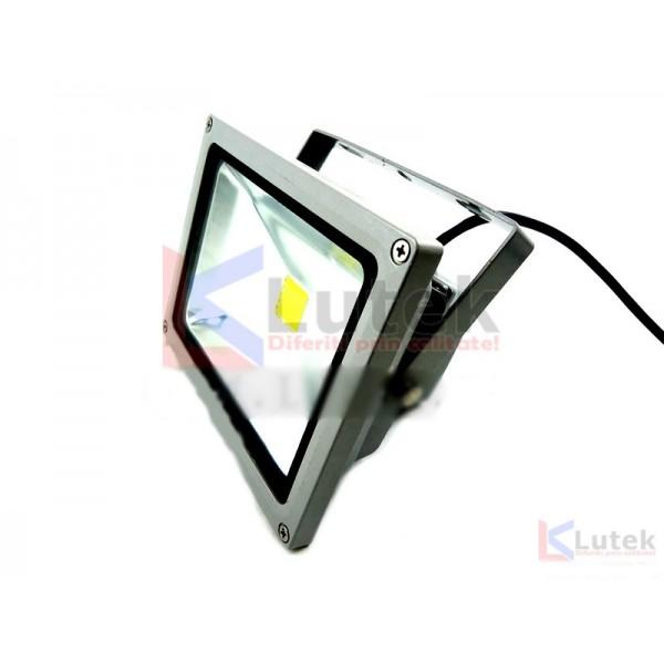 Proiector cu Led 20W pentru exterior (LTK-PR20) - www.lutek.ro