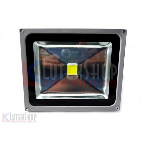 Proiector cu Led 30W pentru exterior (LTK-PR30) - www.lutek.ro